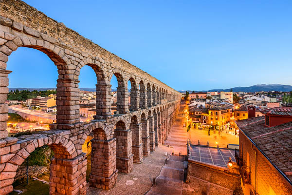 image of roman aqueducts that help for cooling